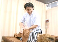 横浜市中区・磯子区 鍼灸接骨院・整体院やわらグループ:施術写真
