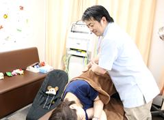 横浜市中区・磯子区 鍼灸接骨院・整体院やわらグループ:スポーツ治療の施術写真